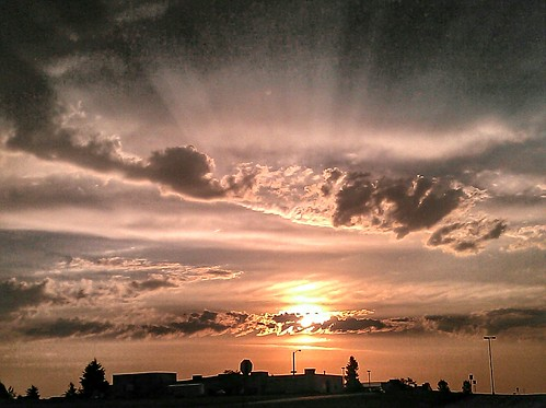 sunrise crepuscularrays