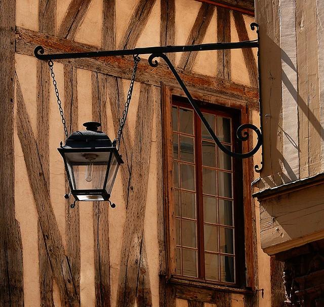 2409 Auxerre
