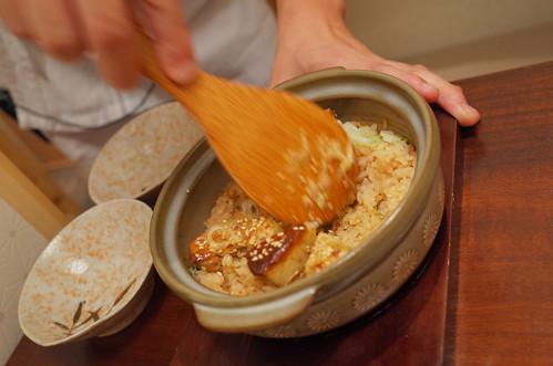 mixing foie gras seasoned rice フォアグラ炊き込みご飯