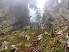 Le couloir de montée à Bocca Purcaraccia dans la brume