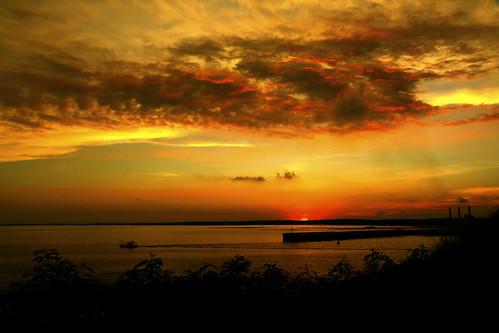 travel light sunset sea sky cloud sun weather canon landscape eos scenery cloudy taiwan formosa penghu pescadores penghuislands burningclouds efs1585mm projectweather canon70d
