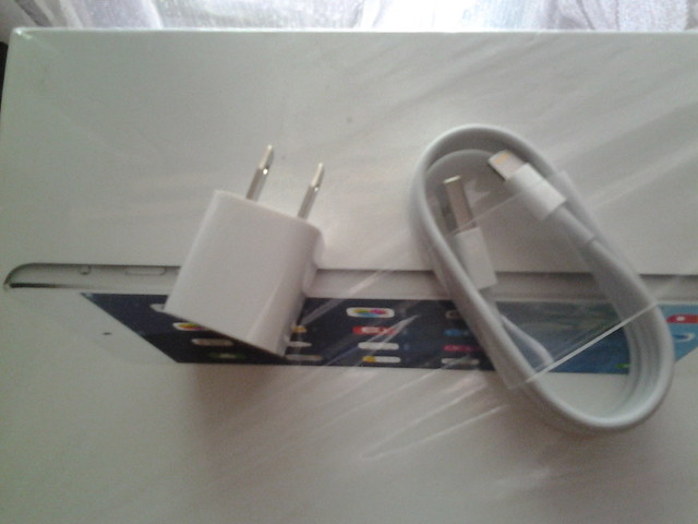 chargerkabel-data-ipad-mini-apple-internasional