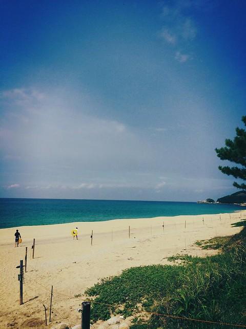 誰もいない美しい海、砂浜。永田いなか浜。
