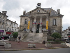 MAIRIE DE CHATEAUNEUF - Photo of Ladiville