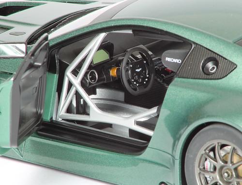Aston_GT3_interno1