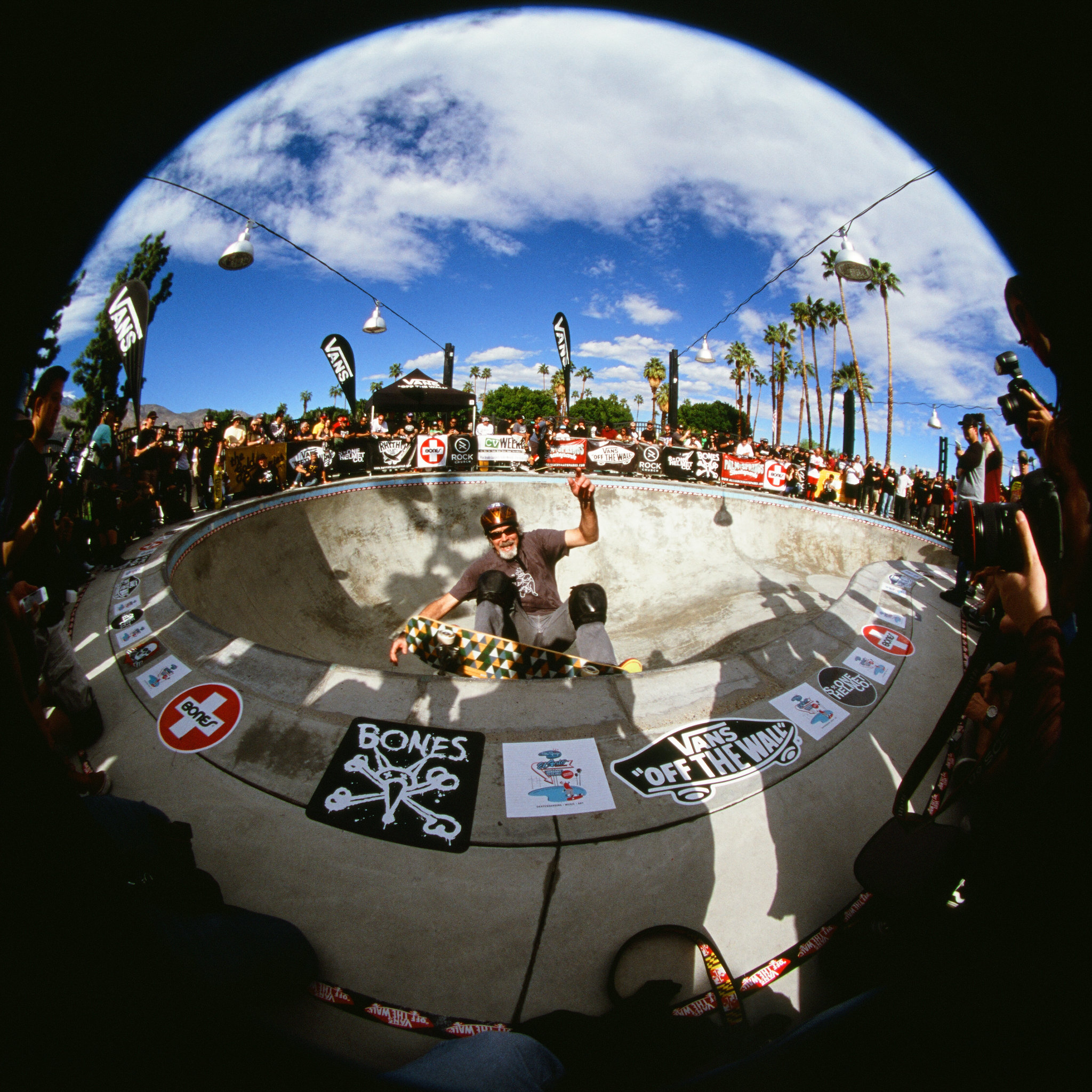 ElGatoClassic-photography-Skateboard-eddie elguera-Palmsprings-Analog-fisheye-joe-segre-12