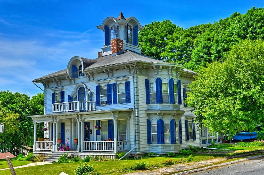 Victorian House Lee MA