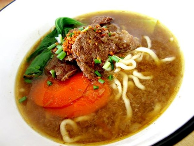 Yummy Kafe beef noodles
