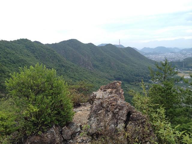 石谷展望岩から城ヶ峰を振り返る