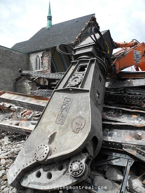Eglise Notre-Dame-de-la-Paix demolition 6/06/14 16