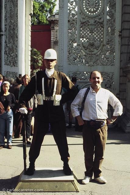 Entrada al Palacio de Dolmabahçe