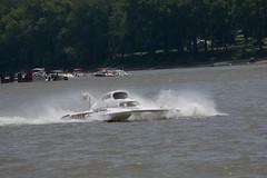 jet ski(0.0), personal water craft(0.0), vehicle(1.0), powerboating(1.0), f1 powerboat racing(1.0), motorsport(1.0), boating(1.0), motorboat(1.0), watercraft(1.0), boat(1.0),
