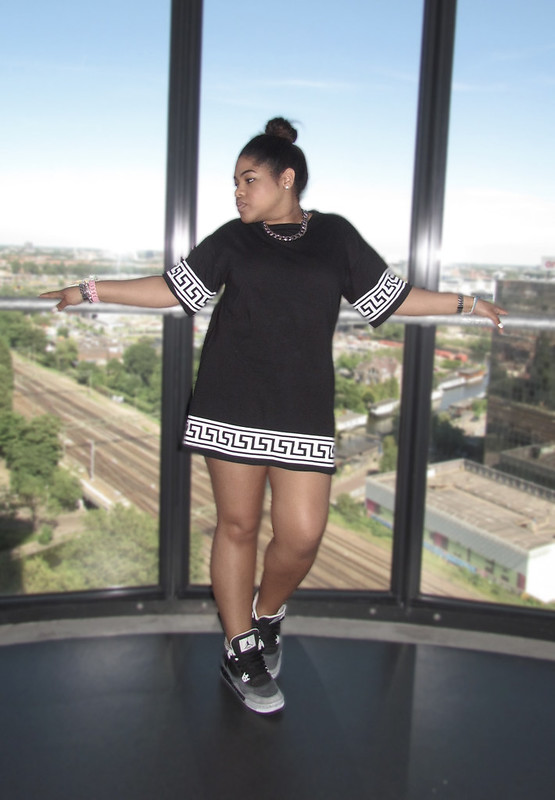 missguided, kikita, greek, key, dress, oversized, jordans, urban, style, streetstyle, how to, hip hop, girl, oreo jordans, high bun, blog, blogger, outfit of the day, ootd, instagram