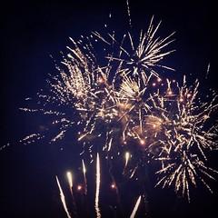Fuochi d'artificio per il solstizio #giriingiro #lagomaggiore #baveno #cheaphappiness