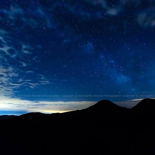 Il Monte San Vicino con La Via Lattea (00749)