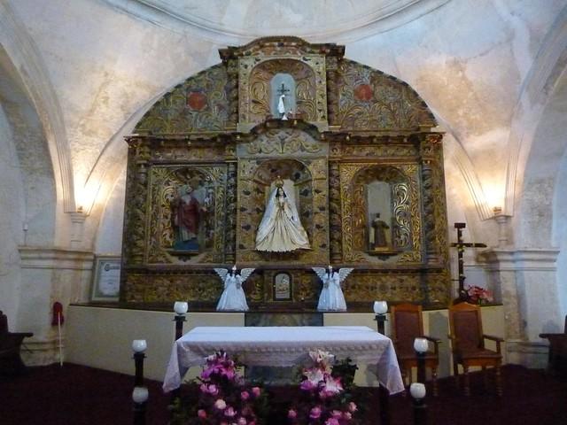 Interior de la Iglesia de Salcajá (Quetzaltenango, Guatemala)