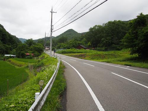 序盤、県道507号線まっすぐを斜度2→8%程度