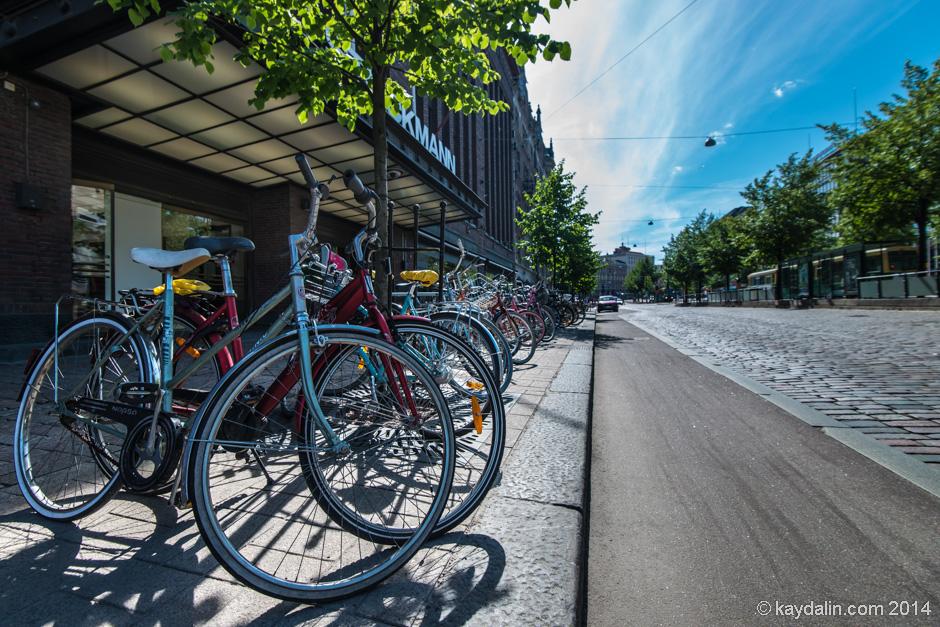 Хельсинки велосипеды на улице