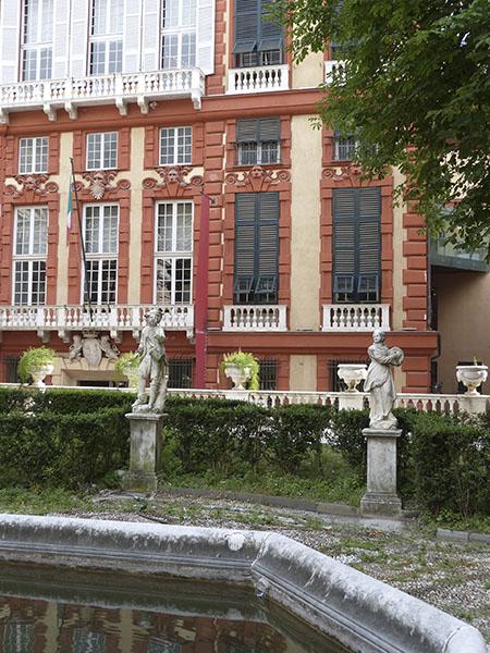 fontaine palazzo bianco 2