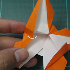 วิธีพับกระดาษเป็นที่คั่นหนังสือรูปผีเสื้อ (Origami Butterfly Bookmark) 030