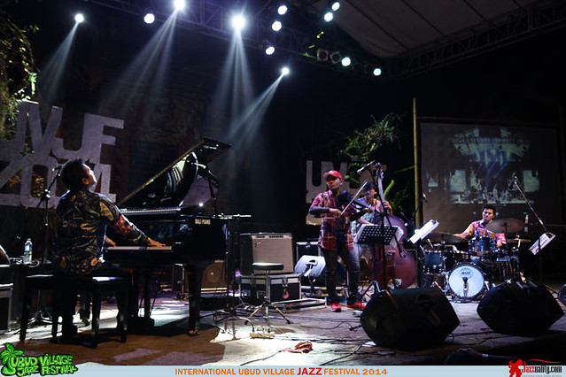 Ubud Village Jazz Festival 2014 - Dwiki Dharmawan (4)
