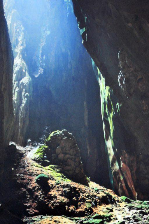 Cueva Oscura Cuevas Batu en Malasia, el templo hindú más grande fuera de la India - 14703182871 0671bdd1db o - Cuevas Batu en Malasia, el templo hindú más grande fuera de la India