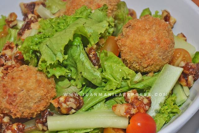 LIBERTY  NEW YORK STEAKHOUSE. Falafel Salad.