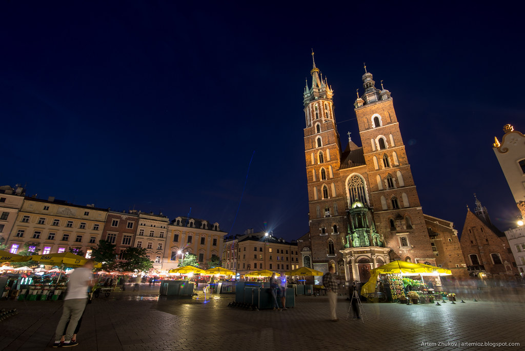 Krakow at night-9.jpg