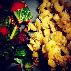 mac and cheese w/ @PunkRawkLabs smoked cashew cheese. #nomnom #foodie #food #vegan #beets #quornflour