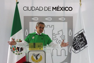 Playera y Medalla del Maratón de la Ciudad de México 2014