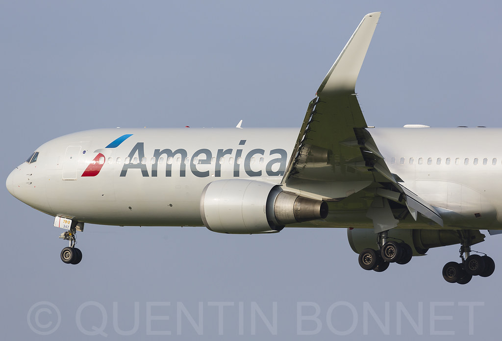 American Airlines Boeing 767-323(ER)(WL) N347AN