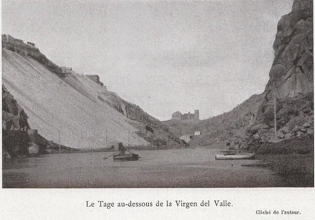 El Tajo y el Castillo de San Servando desde el embarcadero del Diamantista a comienzos del siglo XX. Fotografía de Élie Lambert publicada en su libro Les Villes d´Art Célebres: Tolède (1925)