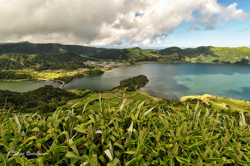 verde green portugal clouds dof wideangle lagoon hills nuvens lagoa profundidadedecampo vulcano azores montes açores smiguel grandeangular lagoadassetecidades d300s nikond300s nikkorafs1224mmf4 lightroom5