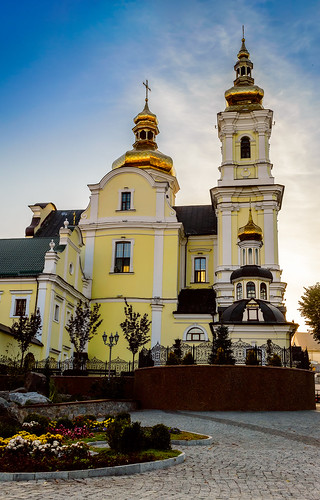 city flowers autumn sunset sky urban building fall church yellow square landscape evening cathedral ukraine vinnytsia