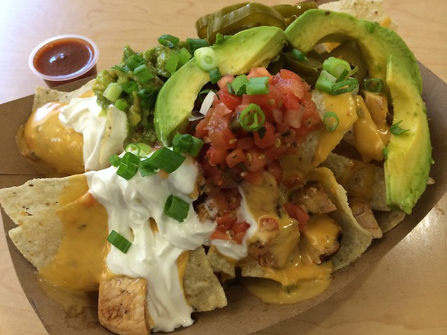 Blackened chicken nachos - California Tortilla