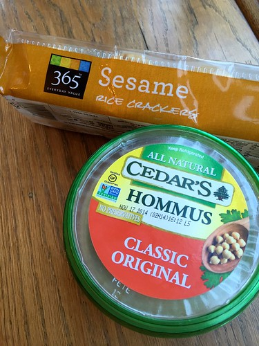 WF hummus & crackers