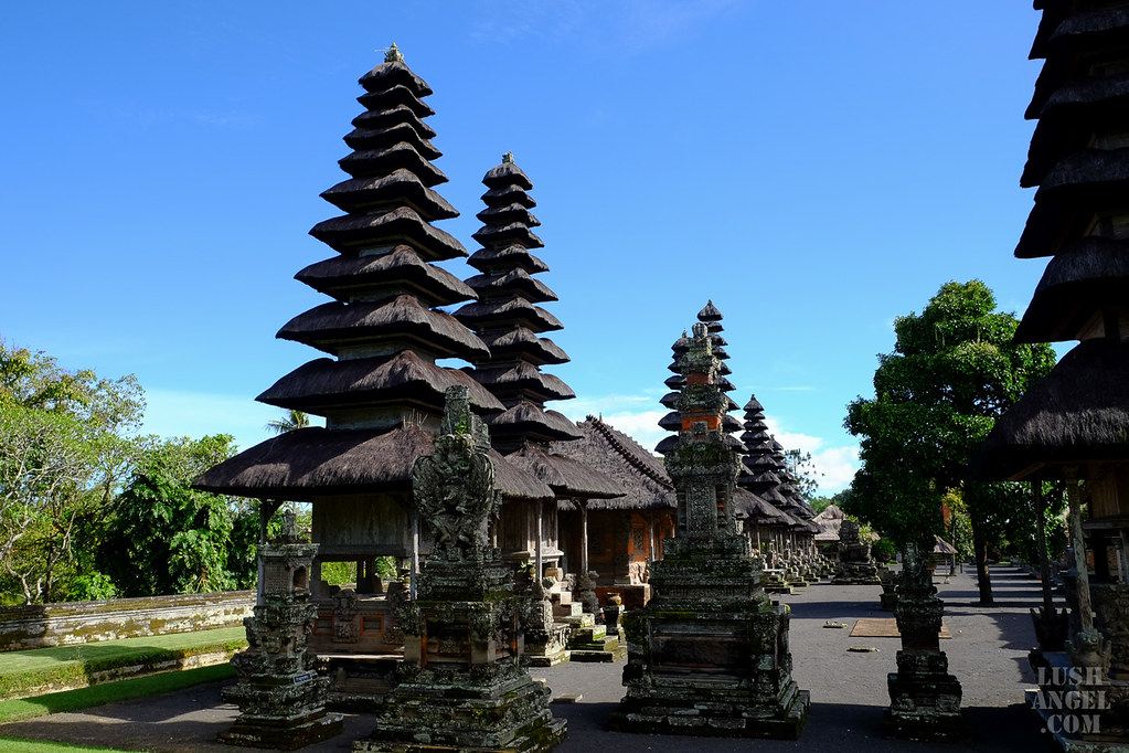 indonesia-taman-ayun-temple