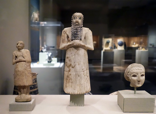 Standing male worshipper, Tell Asmar