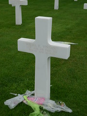 Wilma R. Vinsant is one of two American flying nurses who are buried at the Neherlands American Cemetery (Margraten). On 14 April 1945 the C-47 she was flying in came down some 40 kms NW of Eisenach, Germany.