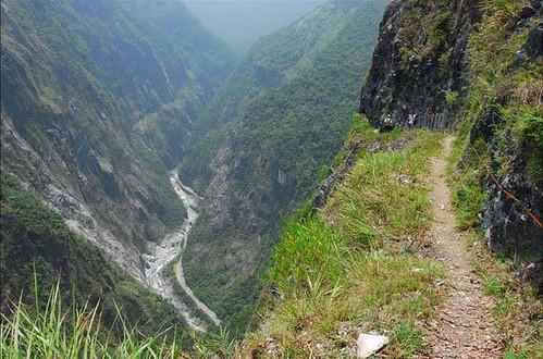 為了即將舉行的峽谷馬拉松而封閉的錐麓古道。(圖片來源:營建署太魯閣國家公園管理處)