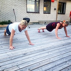 sports(0.0), leisure(1.0), muscle(1.0), press up(1.0), physical fitness(1.0),