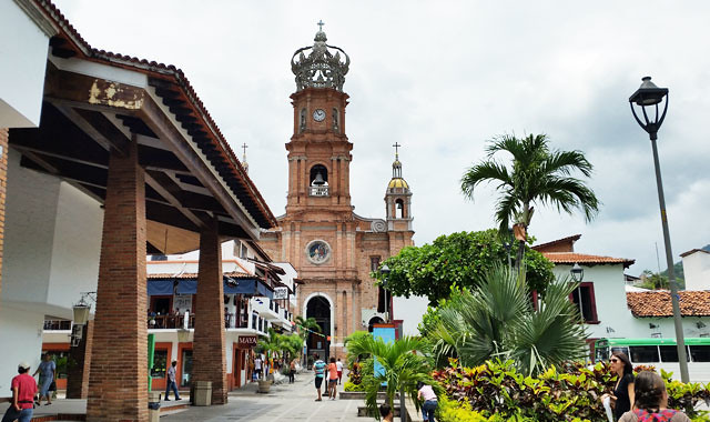 downtown-church-puerto
