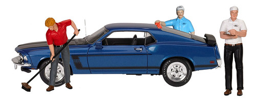 on blue mustang-001