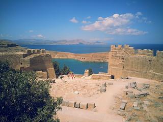 Lindos közelében Líndos képe. sea island bay ruins europe mediterranean greece acropolis rhodes lindos