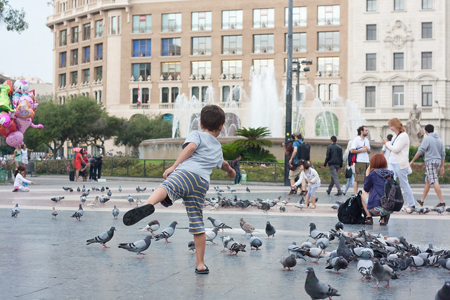 Barcelona with Kids: Placa de Catalunya | Family Travel