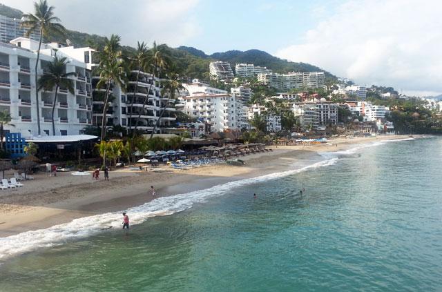 puerto-vallarta-shore