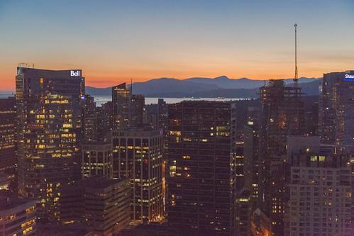 VancouverByNight2