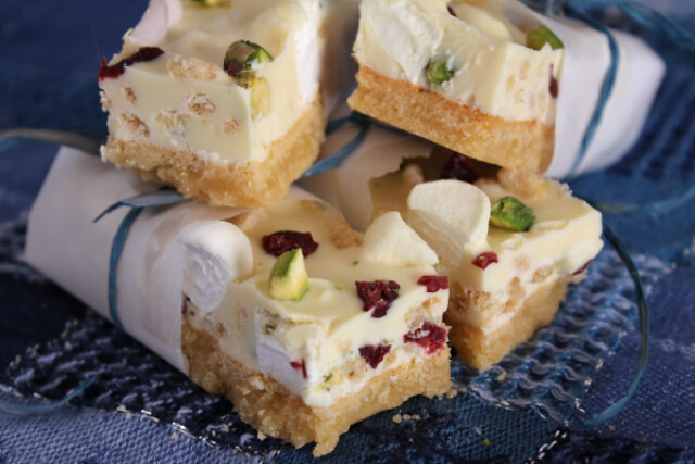 White Chocolate Cookie Bars - Fox in the Kitchen