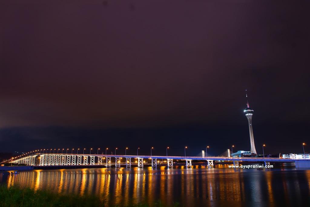 Macau-At-Night-1