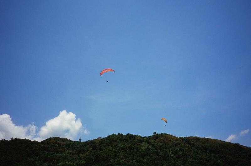 飛行傘 + 藍天